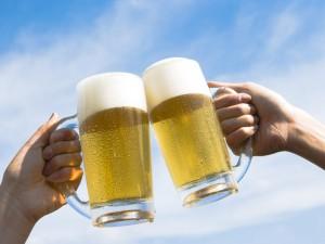 La cerveza un buen hidratante para la gente mayor…